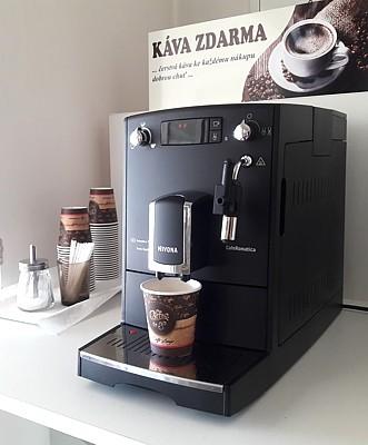 Konekt-hadice káva ke každému nákupu